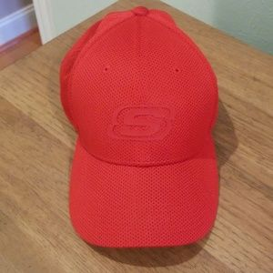 Boys fitted Sketchers hat.